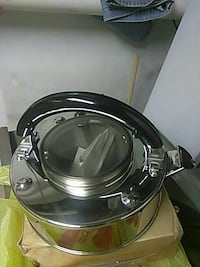 black and gray slow cooker East Windsor, 08520