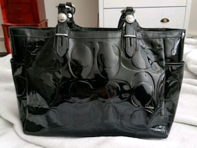 Absolutely Gorgeous Authentic Platinum Leather Coach Purse!