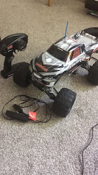 black and gray RC car Ladner, V4K 3G6