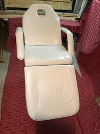 White leather padded massage / esthetics chair Toronto, M1G 1H1