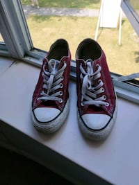 Used Converse size 8.5 Vancouver, V5Y 2S4