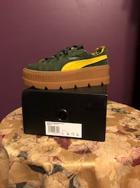 FENTY PUMA CLEATED CREEPER SIZE 7.5 WOMAN Paterson, 07503