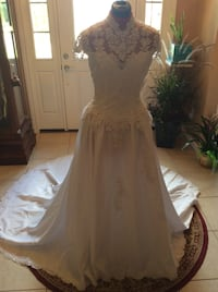 White Wedding Dress By Sweetheart size 8 Oklahoma City, 73099