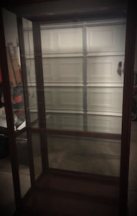 Pulaski Furniture 2 way sliding door curio Las Vegas, 89178