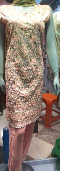 women's yellow and white floral sleeveless dress Montreal