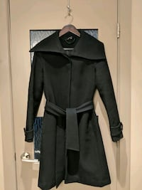 Women Black long coat 70% wool Calgary, T2E 0B4