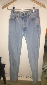 American apparel mom jeans size 2 Central Okanagan, V1P