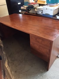 Brown wooden single pedestal desk Halton Hills, L7G 0H6