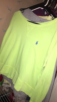 yellow Ralph Lauren crew neck shirt Oshkosh, 54904