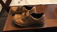 Pair of brown leather shoes Cambridge, N1R 6M8