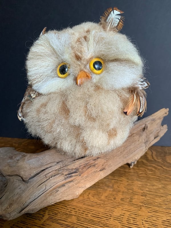 Vintage Faux Owl Perched on Driftwood Mid-Century Kitschy Home Decor 03414833-c7c0-478b-ae35-9be5f1823ac7