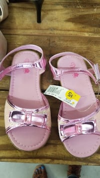 pair of pink leather sandals Little River, 29566