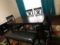 Dining room table 4 chairs and seating bench  Dearborn, 48126
