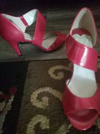 High heel shoes size 7.5 Las Vegas, 89119