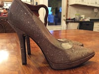 Sz8 Holiday gold sparkle shoes by Nine West