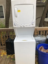 white stackable washer and dryer Merchantville, 08109