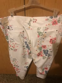 White and pink floral shorts Sumter, 29150
