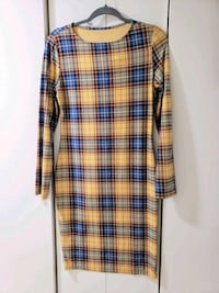 Lots of women's clothing size medium- good to exce