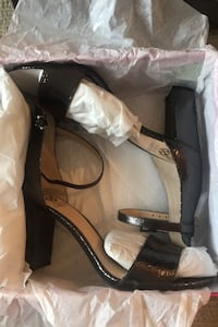 Vince Camuto size 9M New York, 10464