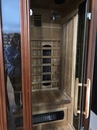 Like new infrared sauna FREDERICK