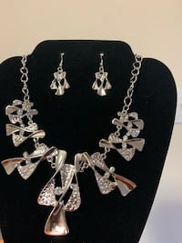 Jewelry set  White Plains, 20603