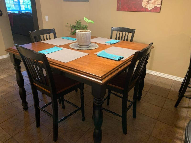 Sold High Top Kitchen Table 6 Chairs Nice In Midwest City Letgo