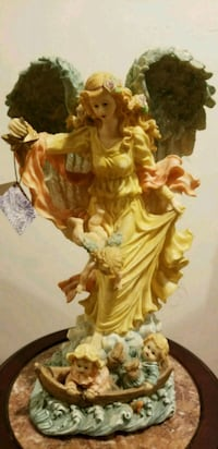 Angel figurine  Woodbridge, 22191