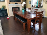rectangular brown wooden table with four chairs di Beaumont, 92223