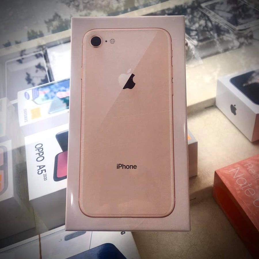SIFIR KAPALI KUTU  IPHONE 8 64GB GOLD TAKAS OLUR