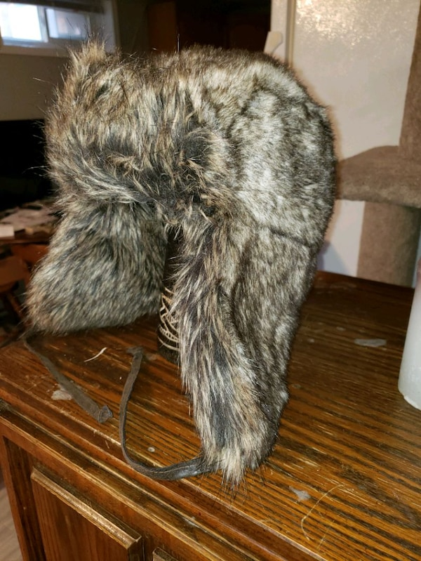 Faux fur hat brand new never worn 1