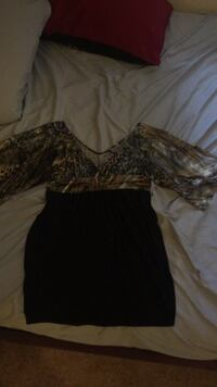 $10 womens black and brown long sleeve dress Palm Desert, 92260