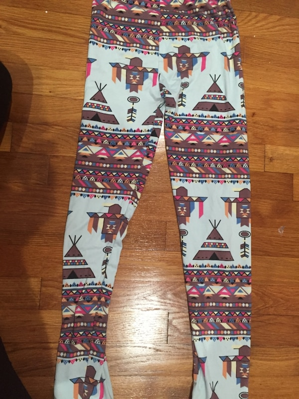 d8f8be987 Used Two pairs of leggings for sale in Kensington - letgo