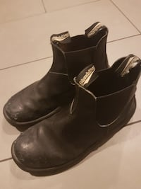 Good condition blundstone boots