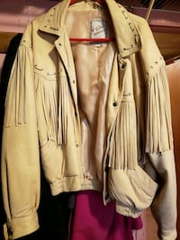 Brand New Deerskin fringed jacket Frederick, 21702