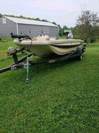 white and green speed boat Lexington, 40503