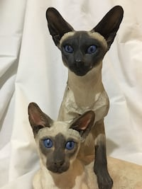 Siamese cat sculpture collectible figurine