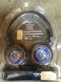 headphones with built in mic Toronto, M9C 1Y7