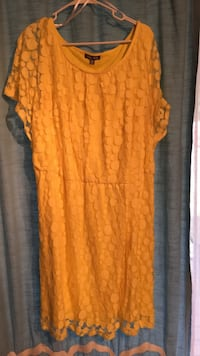 Roz and Ali Bright Yellow dress size  24 Cranberry Township, 16066