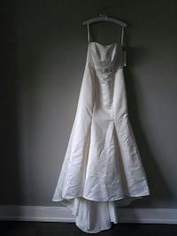 New Ivory wedding gown Mississauga, L5M