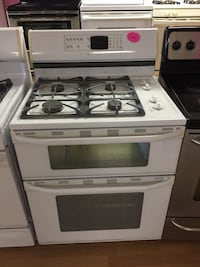 White maytag gas double oven stove  Woodbridge, 22191