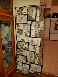 Metal pic frame. Pics fit in are 4 x 6 Ajax, L1S 4E5