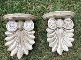 Set of wall sconces