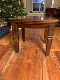 Brown End/side table Westborough, 01581