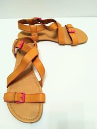 Nevada tan / pink sandals / shoes size 8.5-9.5  Mississauga, L5M 4Z5