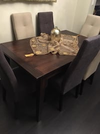 Dining table with 6 chairs Mississauga, L5B