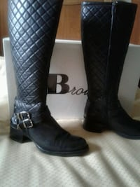 Browns women's black boots. Size 9B. Toronto, M2R