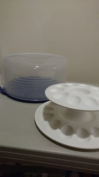 TUPPERWARE ROUND CAKE TAKER & DEVILLED EGG TRAY