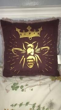 Pink queen bee pillow 460 mi
