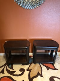 2 end tables from rooms to go  Houston, 77089