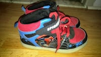 Spider man running shoes that light up size 1 Laval, H7G 4T5